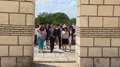 Румен Радев: Властта крачи към пропастта
