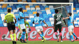 Наполи се наложи над Кротоне в битка със седем гола, Лацио с труден успех над тима на Гълъбинов