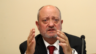 Централна команда за училищата - голяма грешка според Тодор Танев