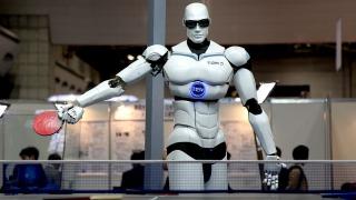 """Бъдещето на технологиите - 3D принтирани коли, """"умни"""" дрехи и роботи фармацевти"""