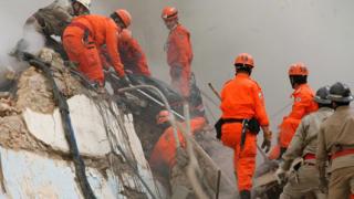 Намериха 4-ма загинали под рухналите сгради в Рио де Жанейро
