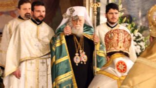 Патриарх Максим търси подкрепата на Първанов