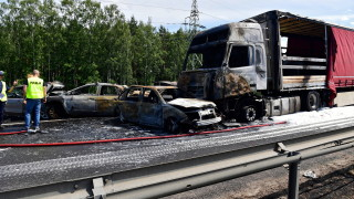 Шестима загинаха при катастрофа със 7 коли в Полша