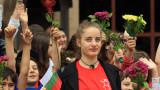Патриотични песни водят просветното шествие в столицата