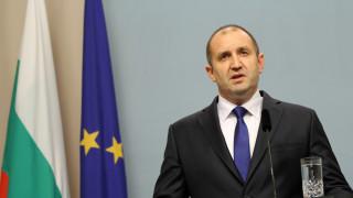 Президент Радев: Сам ли паднах или някой ме бутна