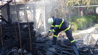 Проверяват изгорелия блок в Бойчиновци