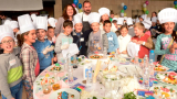 Шеф Андре Токев готви с 250 деца