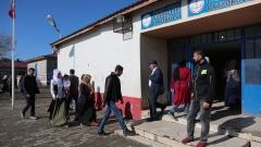 Двама убити при стрелба до изборна секция в Турция