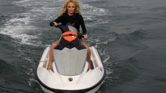 Памела Андерсън спасява китове
