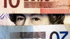Еврото и паундът пак тръгнаха нагоре, доларът - надолу