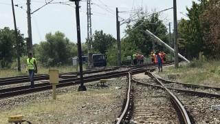 Две жени пострадаха при сблъсък на кола с влак край село Гривица