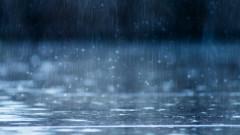 Поройните дъждове наводниха улици и дворове в Хитрино