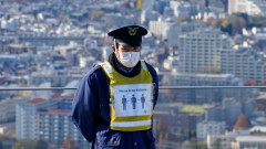 Токио съобщава за рекордни случаи на коронавирус и напрежение в болниците