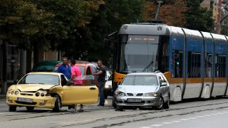 """Камион се удари в трамвай в столичния """"Дружба"""""""