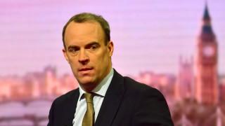 Британия става икономическа и военна сила на доброто в свят със застрашена демокрация