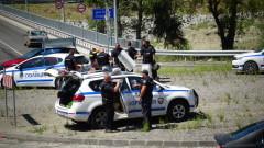 Разследват нападение на полицай над протестиращ в Благоевград