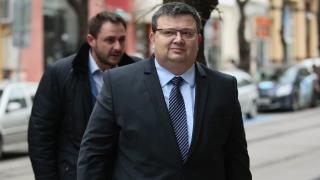Прокуратурата търси мъжа, разговарял с Янева и Ченалова