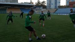 Нефтохимик замина с 18 футболисти за Ловеч