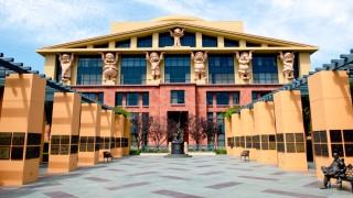 Disney иска да купи част от медиен гигант