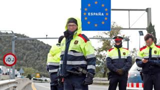 Френската полиция изтласка каталунски сепаратисти от границата с Испания