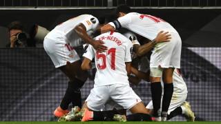 Севиля ще се бори за нов трофей от Лига Европа, прокобата на полуфиналите пак застигна Юнайтед