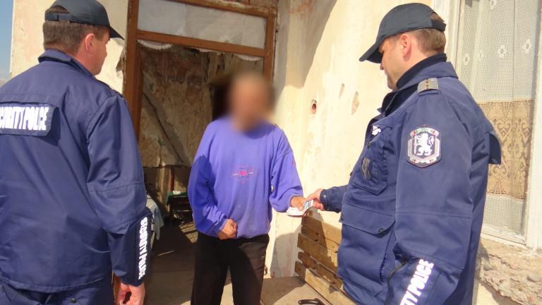 Задържаха 37-годишна джебчийка, откраднала 300 лв. пенсия от джоба възрастен