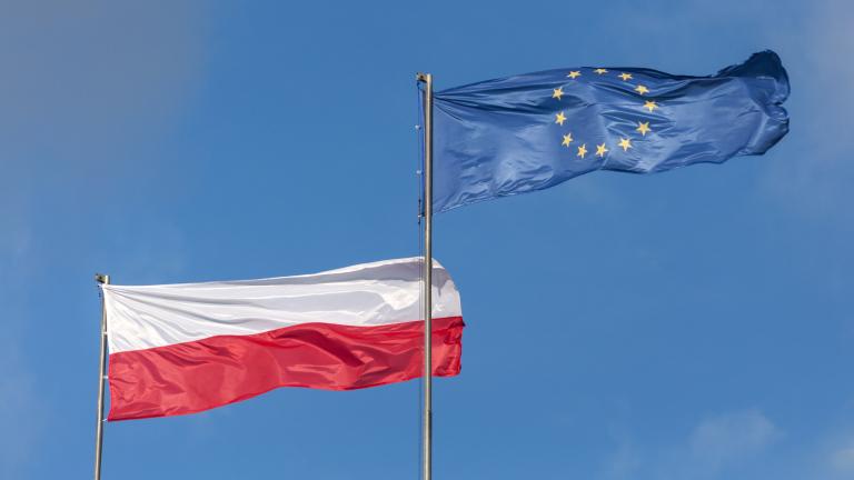 Европейският съюз призова дясното правителство на Полша да отмени спорната