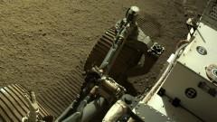 """Марсоходът на НАСА """"Пърсивиърънс"""" улови звуци от движението си на Марс"""