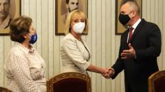 Манолова категорична в желанието си за кабинет, но продължи с критиките към ИТН