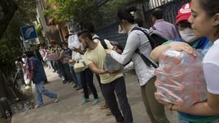 Жертвите в Мексико вече са 230, има оцелели под отломките
