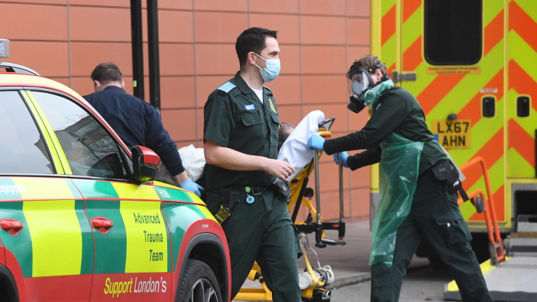 Рязък скок на смъртните случаи от COVID-19 във Великобритания