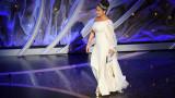 "Салма Хайек, The Hitman's Wife's Bodyguard и танцът й на ""... Baby One More Time"""