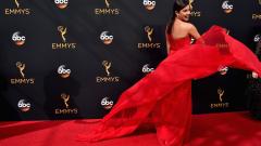 """Най-елегантните актриси на наградите """"Еми"""" (СНИМКИ)"""