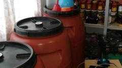Над 3 тона нелегален алкохол задържаха в петричко село