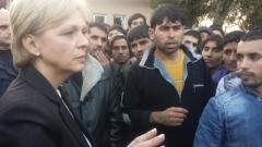 Бежанският център в Харманли не е огнище на зараза, уверява Петя Първанова