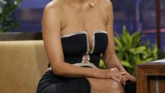 Съдят Холи Бери за $ 5 млн.