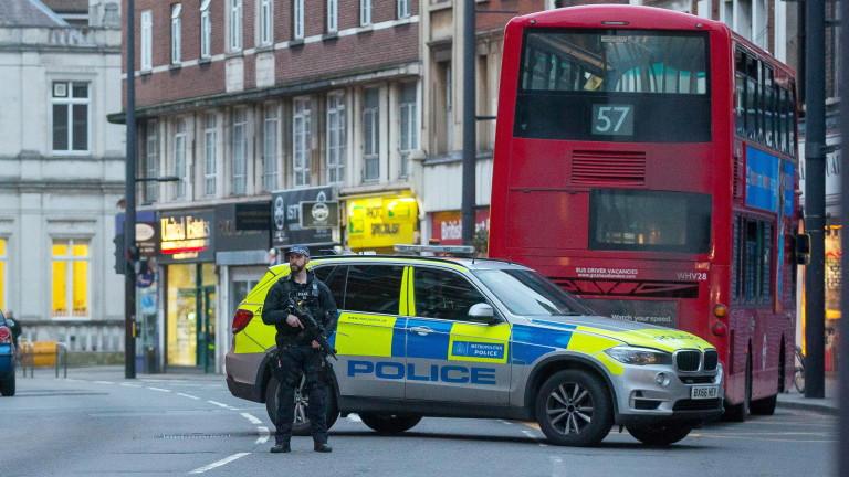 Атентаторът от Лондон лежал в затвора за тероризъм