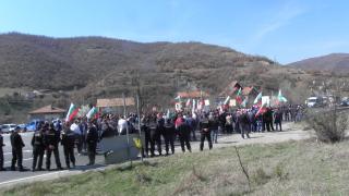 Жителите на Варвара затвориха за кратко пътя Пазарджик-Велинград