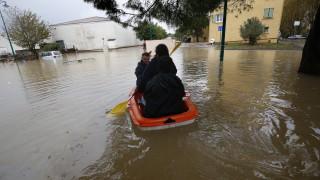 8 души в неизвестност след големи наводнения в Южна Франция