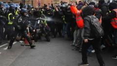 """Хиляди """"жълти жилетки"""" заляха улиците на Франция в петата събота на протестите"""
