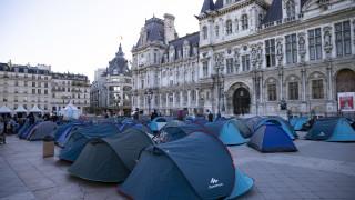 Френската полиция прочисти мигрантски лагер в Париж