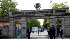Работници от ВМЗ-Сопот блокират общината
