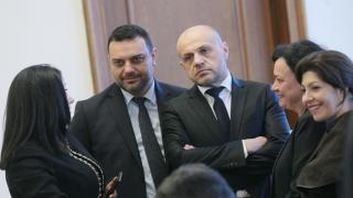 Правителството отдава на концесия летището в Пловдив