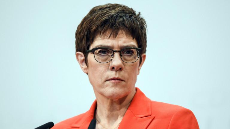 Анегрет Крамп-Каренбауер планира да подаде оставка като председател на Християндемократическия