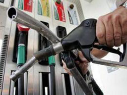 Лукойл намали цените на горивата!