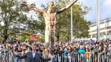 Вандали отново посегнаха на статуята на Ибрахимович