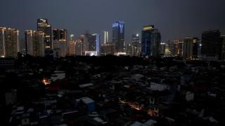 Милиони останаха без ток в Индонезия