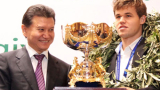 Карлсен поведе в битката за шахматната титла