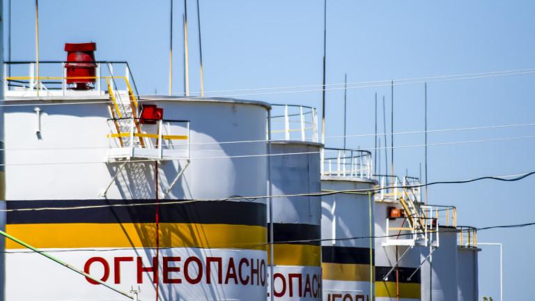 Петролът удари $75, очаква се поскъпване и на бензина