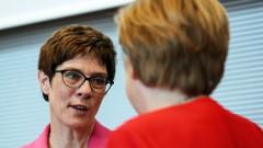 Наследничката на Меркел не дава да се говори за отмяна на санкциите срещу Русия